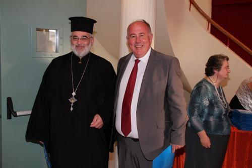 π. Αθανάσιος Αρχιερατικός Επίτροπος Βελεστίνου με τον Δήμαρχο Δ. Νασίκα